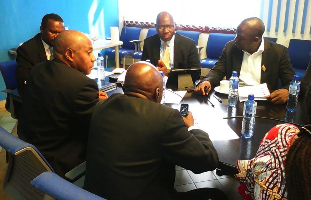 Les parlementaires guinéens  échangent avec le Représentant-Résident de la Banque Mondiale