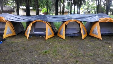 Tentes aménagées pour les campeurs